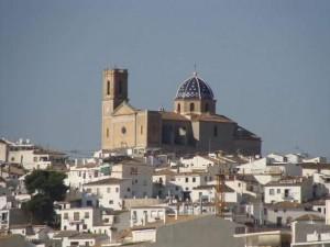 Spaans leren in Spanje, kerk Altea